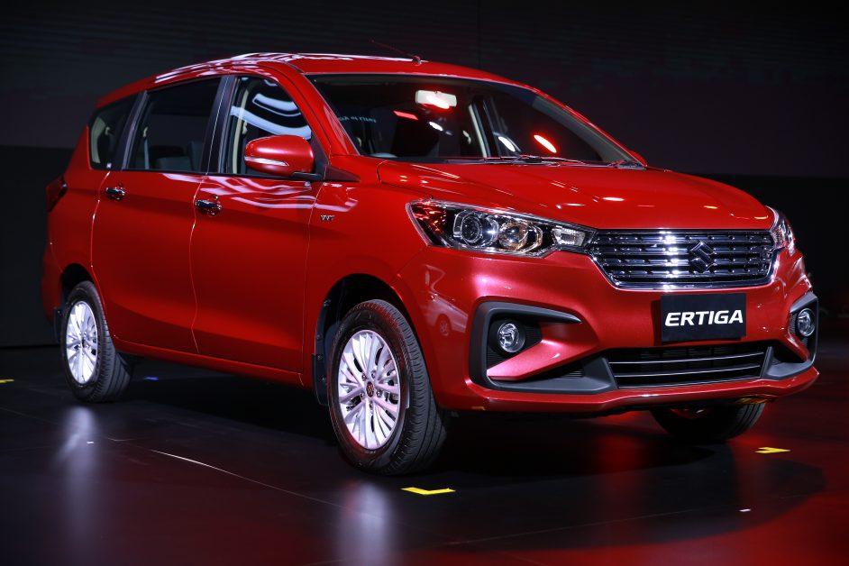 รีวิว รถใหม่ 2019 ล่าสุด All New Suzuki ERTIGA มินิเอ็มพีวี 7 ที่นั่ง มุมข้างหน้า