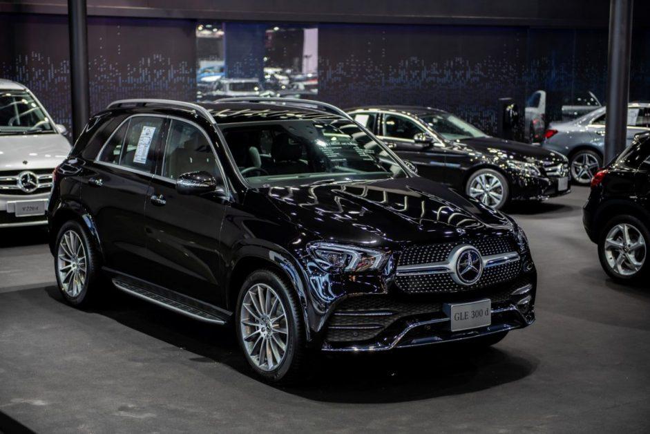 รีวิวรถใหม่2019 : Mercedes-Benz GLE 300 d 4MATIC AMG Dynamic รุ่นประกอบในประเทศ ราคา 5,190,000 บาท