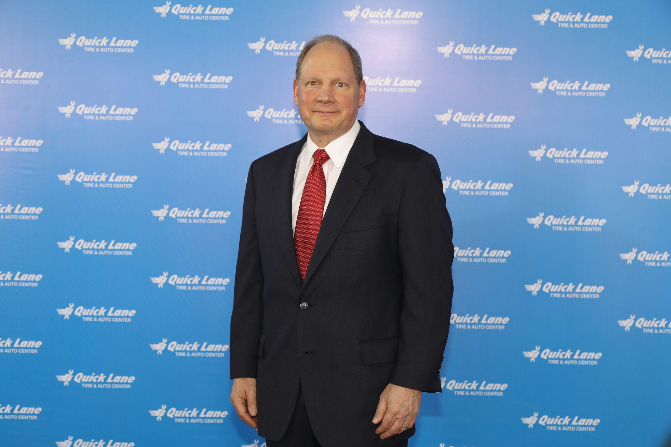 มร. จอห์น ฮานิเกน ผู้อำนวยการตลาดหลังการขายและประธานเจ้าหน้าที่บริหารตลาดโลก ควิกเลน