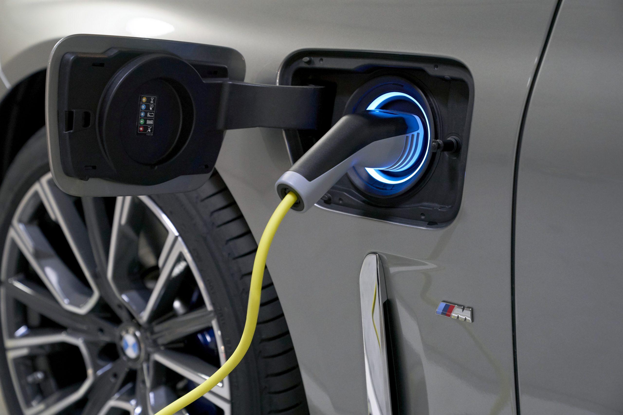 รีวิวรถใหม่2020 : บีเอ็มดับเบิลยู ซีรี่ส์ 7 ใหม่ สานต่อตำนานยนตรกรรมหรู ยกระดับสู่มาตรฐานใหม่ของสุนทรียภาพทุกการเดินทาง