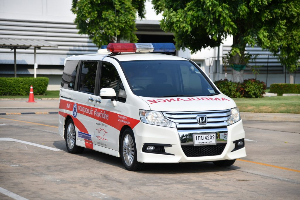 """ข่าวรถวันนี้ : ความคืบหน้า """"กองทุนฮอนด้าเคียงข้างไทย"""" ผลิต """"เตียงเคลื่อนย้ายผู้ป่วยติดเชื้อแบบแรงดันลบ"""" พร้อมให้การสนับสนุนบริการรถจักรยานยนต์พยาบาลฮอนด้าเพิ่มเติมอีก 10 คัน เพื่อต้านภัยโควิด-19"""