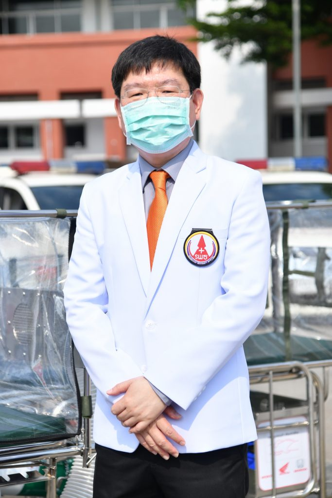 รศ.นพ.พฤหัส ต่ออุดม ผู้อำนวยการโรงพยาบาลธรรมศาสตร์เฉลิมพระเกียรติ
