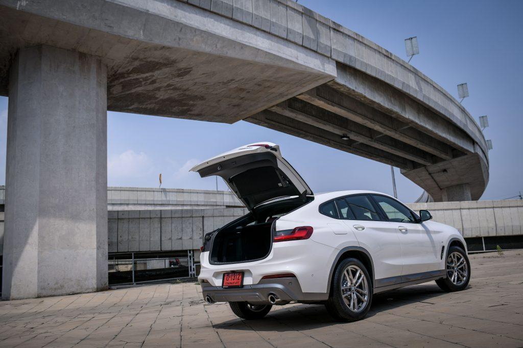 รีวิวรถใหม่ 2020 : บีเอ็มดับเบิลยูX4โปรไฟล์ใหม่ เสริมลุคโฉบเฉี่ยวพร้อมจัดเต็มเทคโนโลยีล้ำสมัยในราคาเดิม