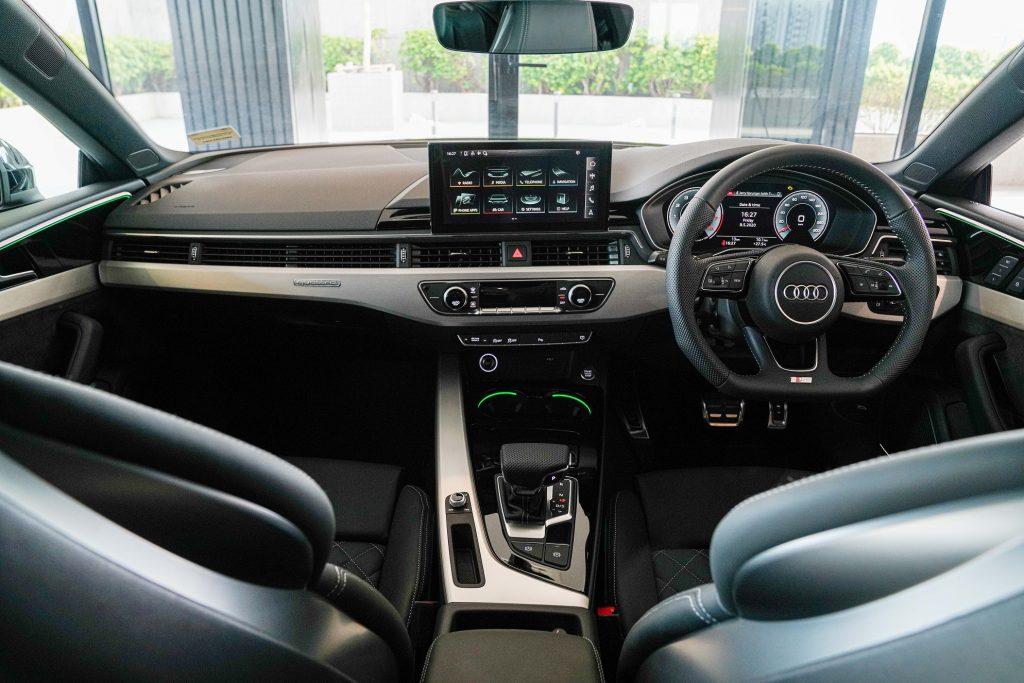 """รีวิวรถใหม่ : อาวดี้ ประเทศไทย สร้างปรากฎการณ์ใหม่ เปิดตัว """"The New Audi A5"""" หลากหลายรุ่น พร้อมปรับราคาคุ้มสุดๆ เริ่มต้นเพียง 2.699 ล้านบาท ซื้อวันนี้ผ่อนนาน 7 ปี เพียงเดือนละ 26,000 บาท ไม่มีบอลลูน"""