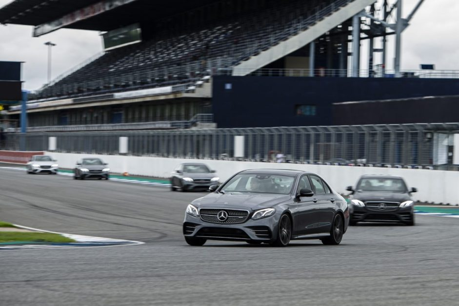 """ข่าวรถวันนี้ : สัมผัสรถยนต์สมรรถนะสูง Mercedes-AMG ภายใต้ชื่องาน """"Mercedes-AMG Circuit Experience"""""""
