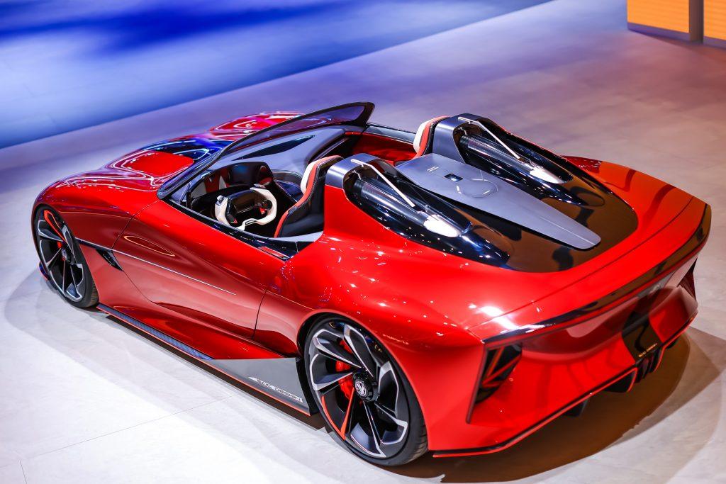 """ข่าวรถวันนี้ : เอ็มจี เปิดตัวรถต้นแบบแห่งโลกอนาคต """"MG Cyberster"""" ในงาน Shanghai Auto Show 2021"""
