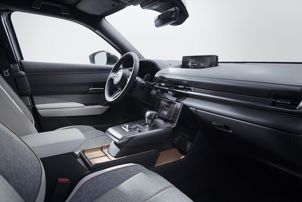 ข่าวรถวันนี้ : MAZDA MX-30 พิชิต TOP 3 WORLD CAR DESIGN OF THE YEAR 2021