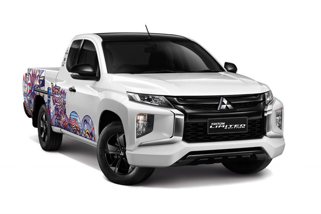 ข่าวรถวันนี้ (29/04/2021) : มิตซูบิชิ มอเตอร์ส ประเทศไทย ร่วมกับ คุณรักกิจ ควรหาเวช ศิลปินชื่อดังสร้างสรรค์รถกระบะ มิตซูบิชิ ไทรทัน 'รักกิจ เอดิชั่น