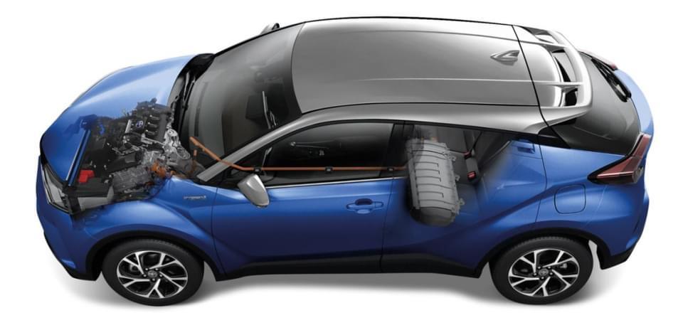 รีวิวรถใหม่ 2021 : โตโยต้า แนะนำ C-HR รุ่นปรับปรุงใหม่ เพิ่มสเปก เติมความโฉบเฉี่ยวด้วย Silver roof ในราคาสุดคุ้มสัมผัสรถจริงได้ที่ผู้แทนจำหน่ายโตโยต้าทั่วประเทศ ตั้งแต่ 26 มิถุนายนนี้ เป็นต้นไป