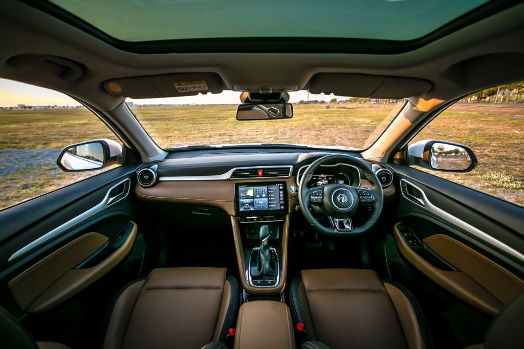 """ข่าวรถวันนี้ 2020 : MG ZS สมาร์ทคาร์ เปลี่ยนรถให้เป็นผู้ช่วยรู้ใจ เติมเต็มไลฟ์สไตล์ได้อย่างลงตัวผ่านแคมเปญ """"Smartest Driving Buddy"""""""
