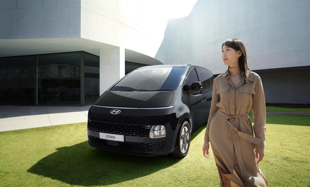 รีวิวรถใหม่ 2021 : ฮุนได สตาร์เรีย รถครอบครัว 11 ที่นั่งตัวแทน H-1 มาแล้ว มีสองรุ่นย่อย