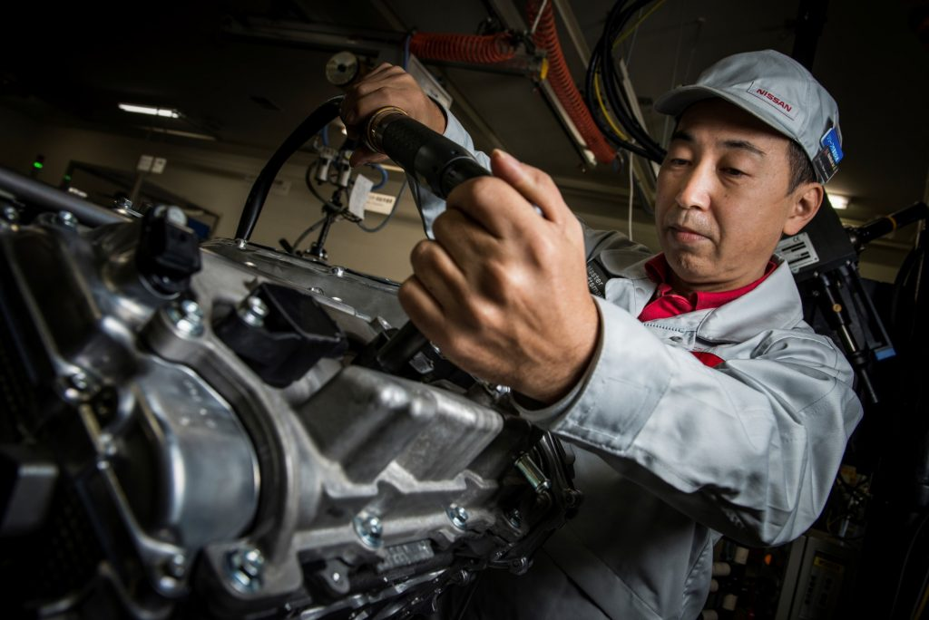 ทาคุมิ (Takumi): สุดยอดช่างฝีมือผู้อยู่เบื้องหลังการประกอบเครื่องยนต์ นิสสัน จีที-อาร์ โดยเฉพาะ