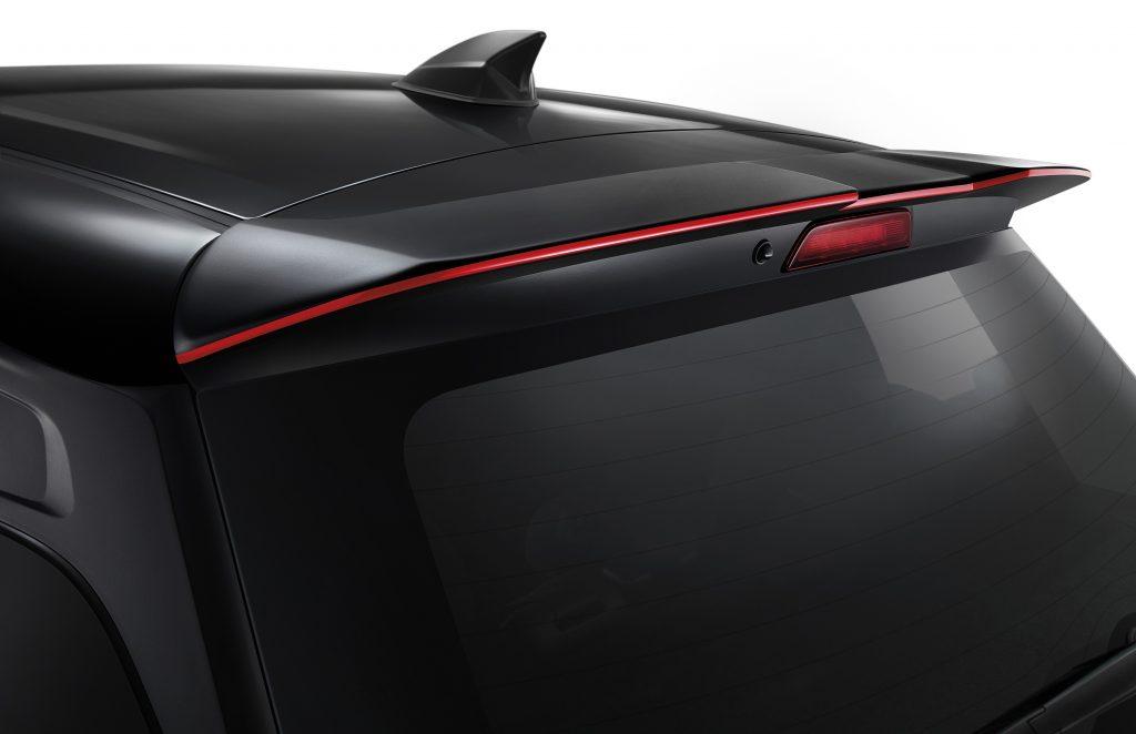 """รีวิวรถใหม่ 2021 : """"ซูซูกิ"""" ตอกย้ำภาพลักษณ์สปอร์ตอีโคคาร์ แนะนำ 'SUZUKI SWIFT GL PLUS' อัพเกรดชุดแต่งรอบคัน เวอร์ชันพิเศษ เติมความแตกต่าง สุดทุกอารมณ์แห่งความสปอร์ตเร้าใจคุ้มค่าในราคาเพียง 567,000 บาท"""